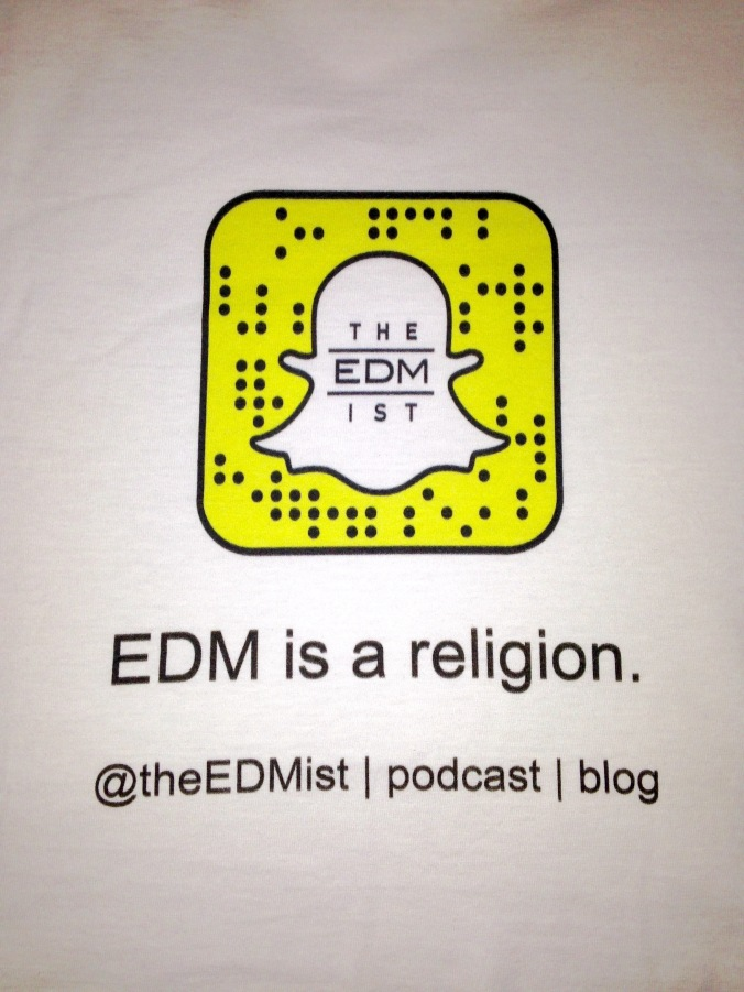 I'll be wearing a T-shirt with the blog logo and snapcode on Sunday.